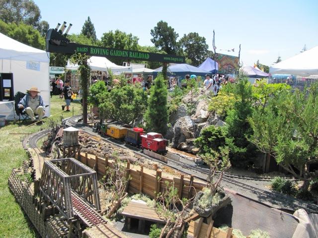 Bay Area Garden Railway Society - Roving Garden Railway Blog